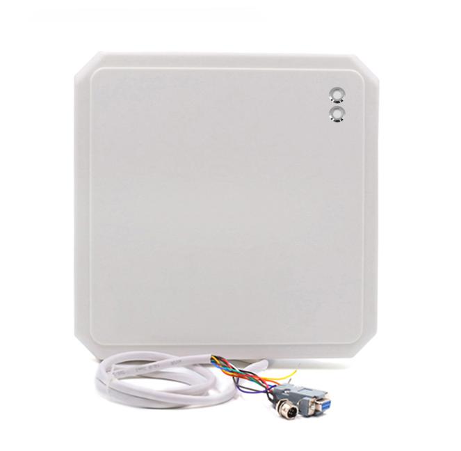 Считыватель UHF CF-RU5109 дальность до 5 м, 9db
